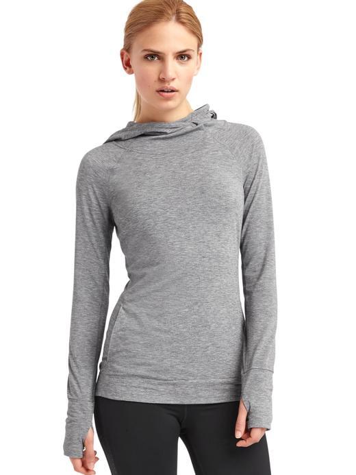Kadın kırçıllı gri GapFit Breathe Kapüşonlu Sweatshirt