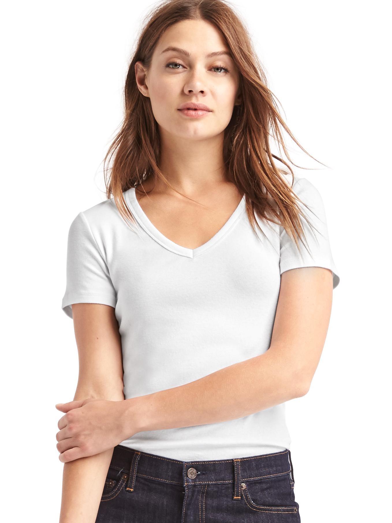 GAP beyaz Modern v yaka t-shirt