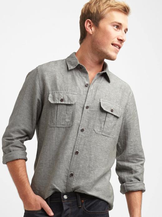 Keten-pamuk karışımlı cepli gömlek