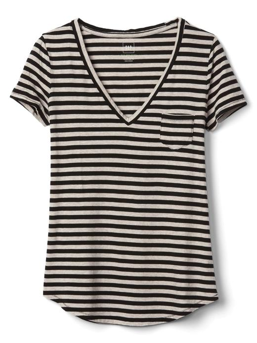siyah-beyaz çizgili V yaka çizgili t-shirt