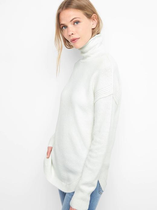 Kadın Beyaz Boğazlı uzun kollu tunik kazak