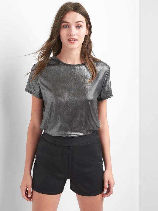 Metalik sıfır yaka t-shirt