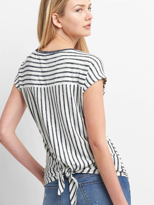 Çizgili arkadan bağlamalı t-shirt