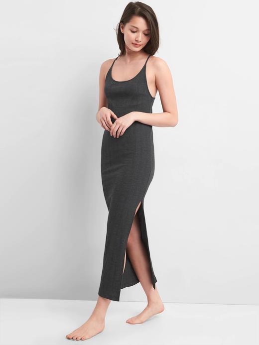 Kadın kırçıllı koyu gri Softspun askılı maxi elbise