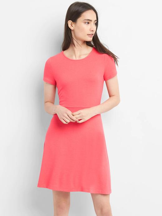 Kadın gül rengi Softspun kısa kollu elbise