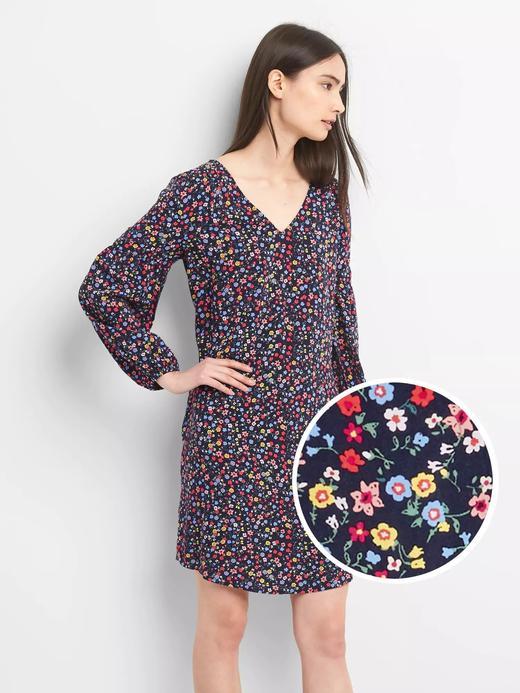 Uzun kollu çiçek desenli elbise