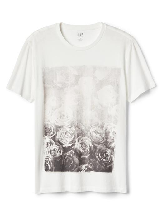 Grafik desenli kısa kollu sıfır yaka t-shirt