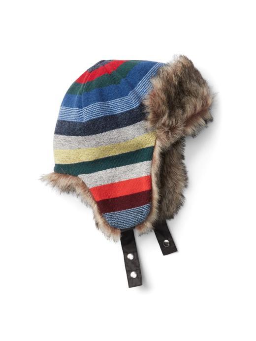Çizgili şapka