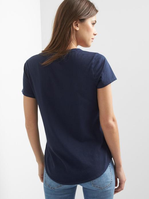 Kadın yaban gülü rengi V yaka t-shirt