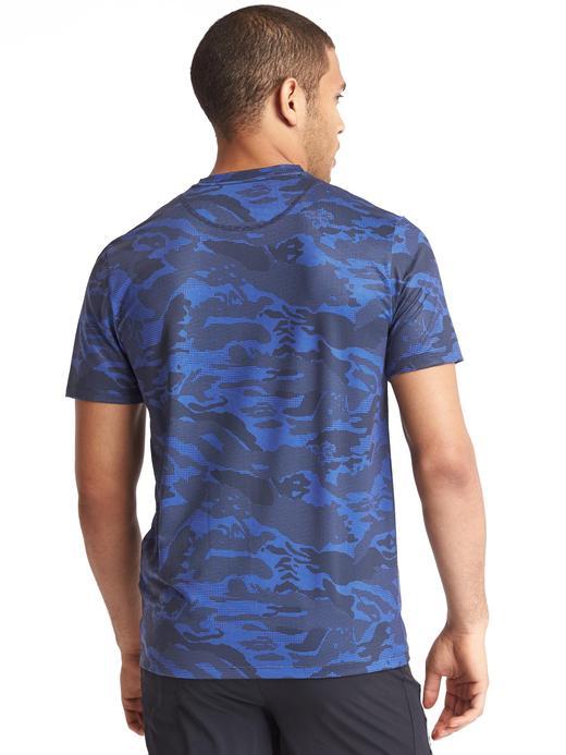 Erkek gri kamuflaj Kamuflaj desenli spor t-shirt