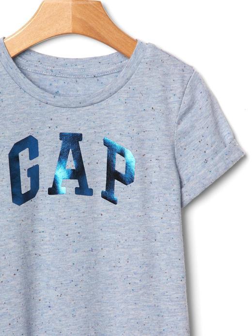 Bebek krem GAP logolu t-shirt