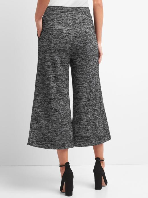 Bol paça kısa pantolon