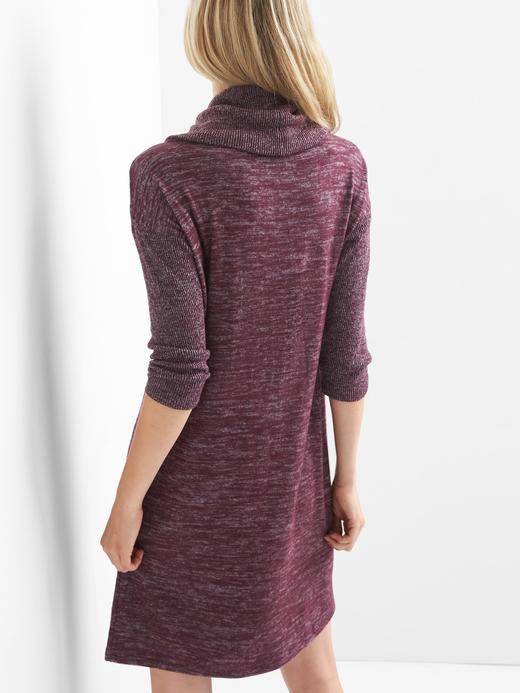 Jarse boğazlı elbise
