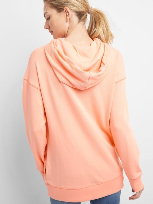 koyu gri Metalik logolu fransız havlu kumaşı kapüşonlu sweatshirt