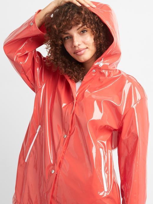 Kadın Kırmızı Kapüşonlu parlak yağmurluk