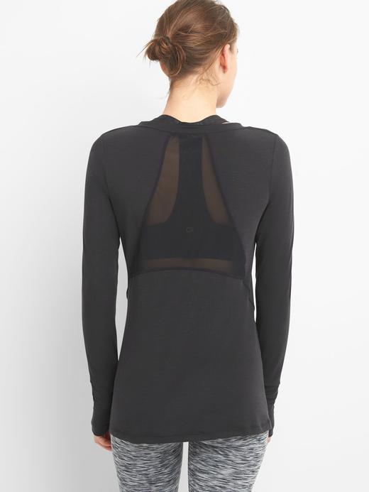 GapFit nefes alabilir uzun kollu t-shirt