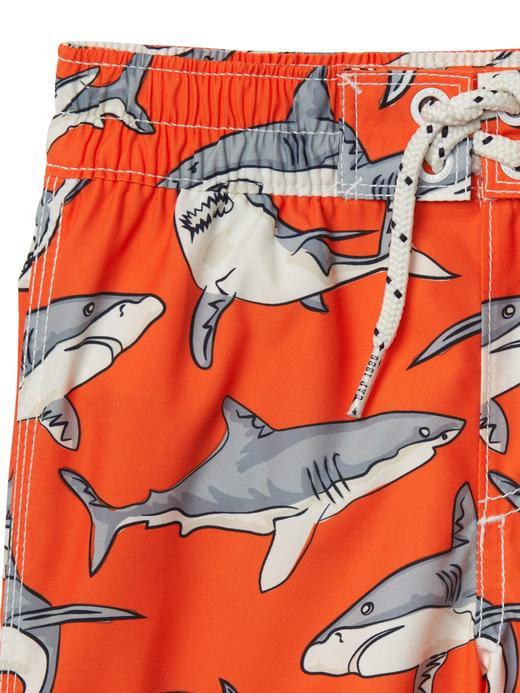Turuncu Köpek balığı desenli şort mayo