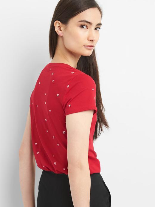 Kısa kollu metalik detaylı sıfır yaka t-shirt