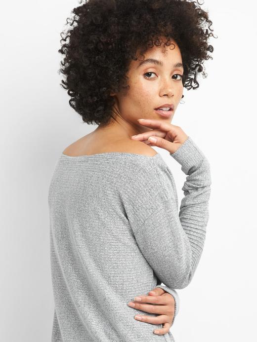 Kadın Beyaz Softspun uzun kollu kayık yaka üst