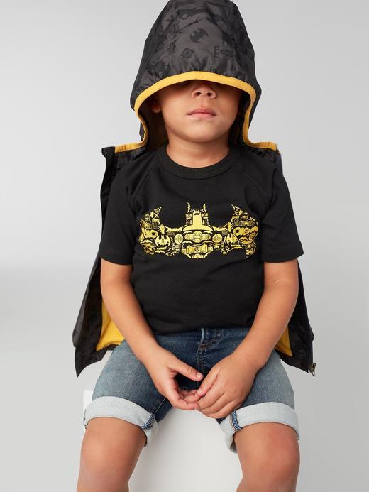 GapKids | DC™ pelerinli t-shirt