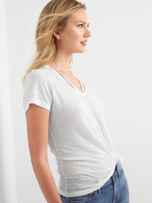 Beyaz Yaka detaylı t-shirt