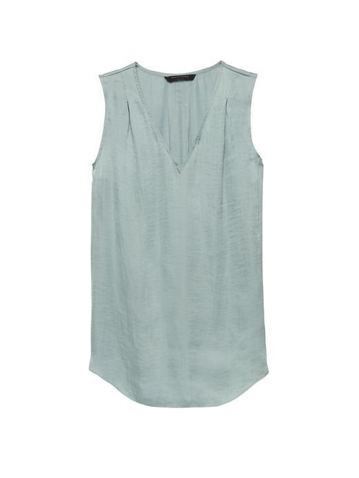 Pili Detaylı Kolsuz Bluz