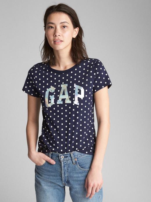 Logolu desenli sıfır yaka t-shirt