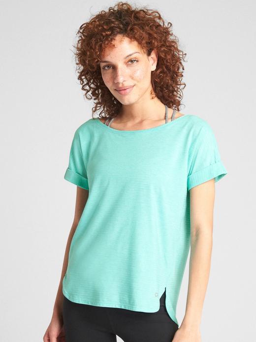 Kadın su yeşili GapFit Breathe t-shirt
