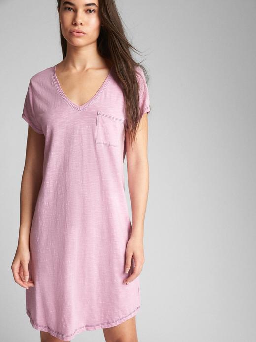 Kısa kollu cepli t-shirt elbise