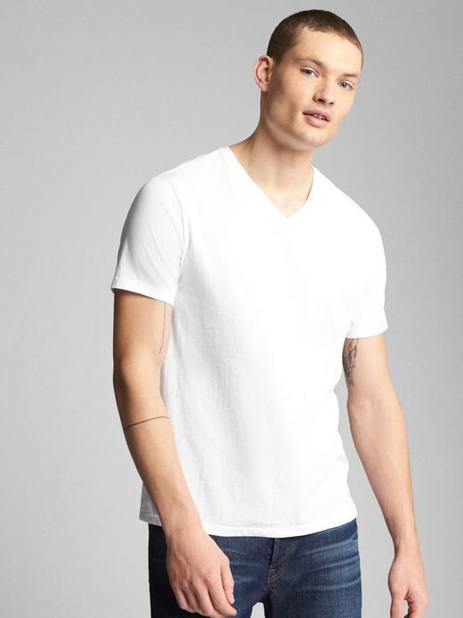 The Essential V Yaka T-Shirt