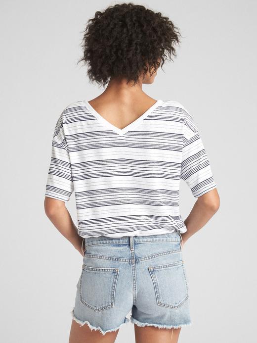Kısa Kollu Çizgili V Yaka T-Shirt