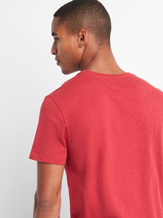 Saf Pamuklu Cepli Sıfır Yaka T-Shirt