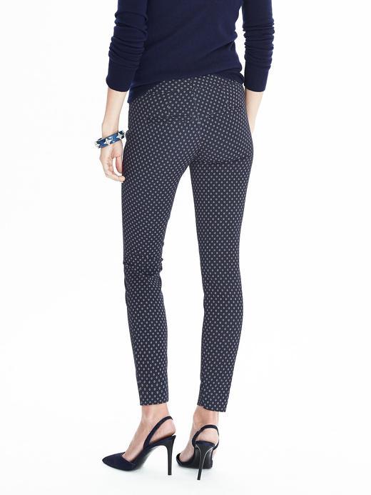 Sloan-Fit çiçek desenli pantolon