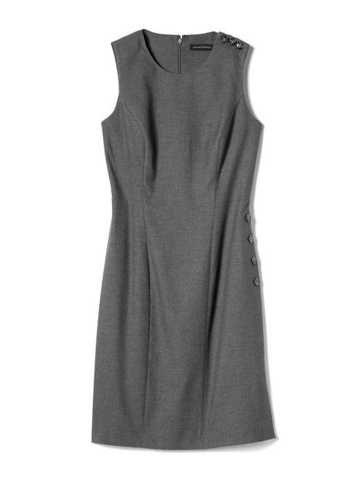 Kolsuz düğme detaylı Sheath elbise