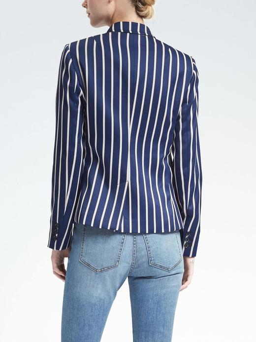 Düğmeli Çizgi Desenli Blazer Ceket