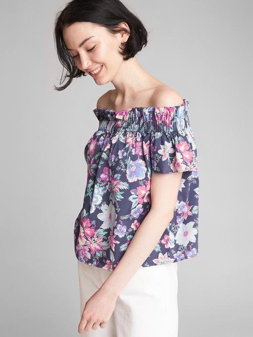 Kısa kollu düşük omuzlu bluz