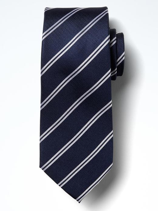 Çift çizgili kravat