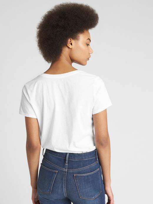 Kısa Kollu V Yakalı Vintage T-Shirt