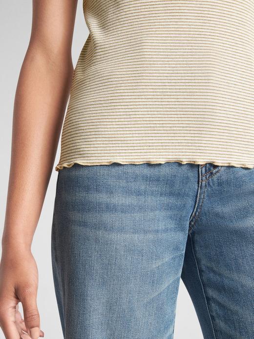 Kısa Kollu Fırfırr Detaylı T-Shirt