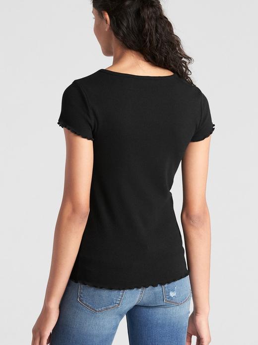 Kısa Kollu Fırfır Detaylı T-Shirt