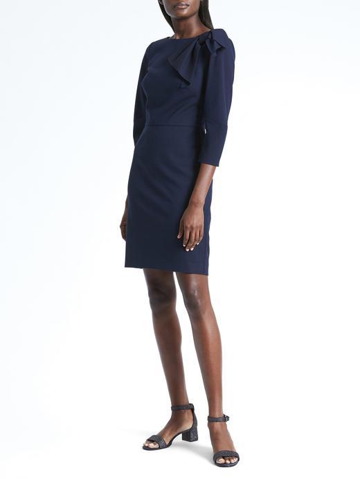 Fiyonk Detaylı Uzun Kollu Elbise