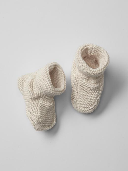 Bebek krem Örgü Patik