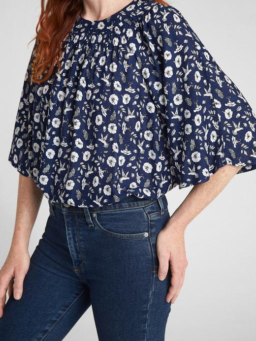 Geniş Kollu Çiçek Desenli Bluz