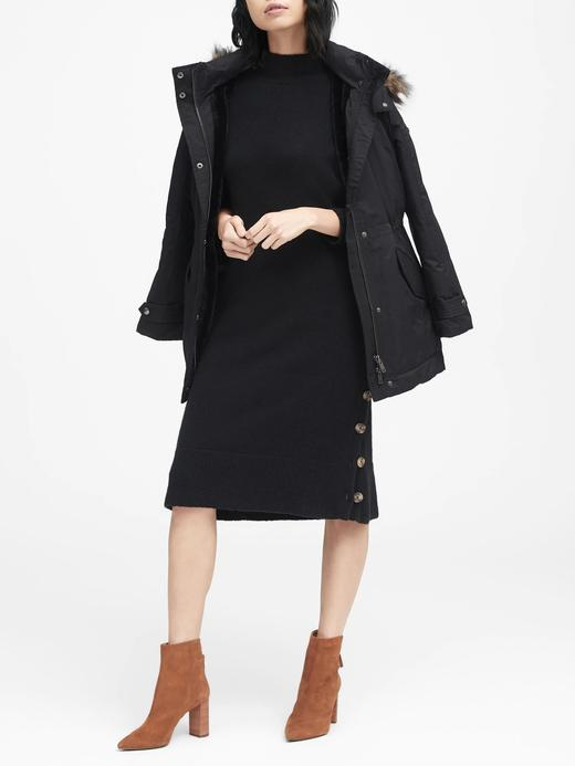 Kadın siyah Boğazlı ve Düğme Detaylı Elbise