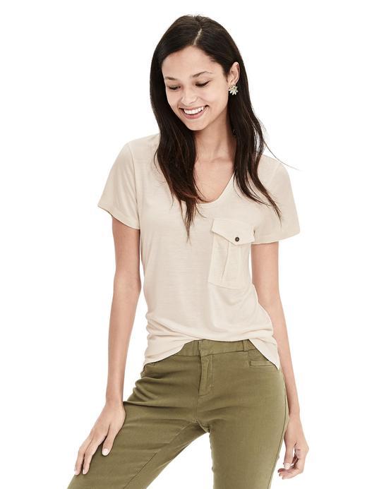 Kadın bej Düğmeli cepli t-shirt
