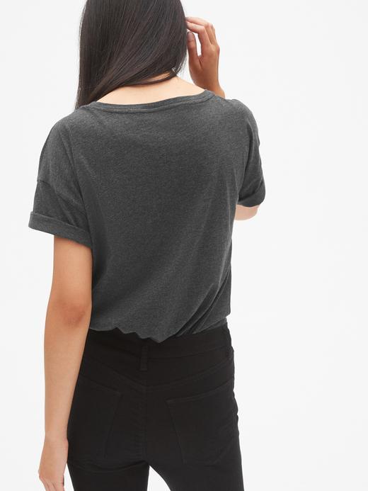 Taşlı Logolu Kısa Kollu T-Shirt