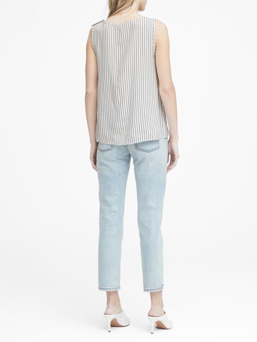 Çizgili Düğme Detaylı Kolsuz Bluz
