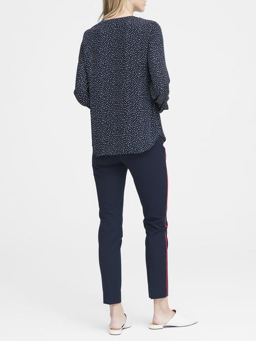 Desenli Uzun Kollu V Yaka Bluz