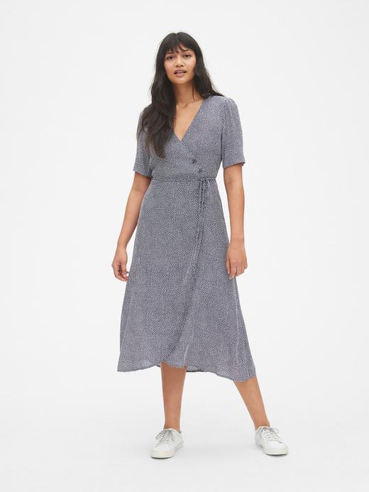 Kısa Kollu Düğme Detaylı Midi Elbise