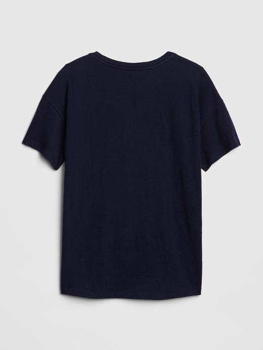 Göğüste Çizgili Kısa Kollu T-Shirt